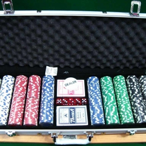 poker set auction